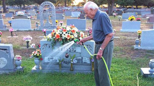 The man visits his late wife's grave each day and leaves a rose from his garden. (Facebook)