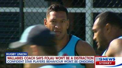 Wallabies coach Michael Cheika defends Israel Folau, gives 'cagey' answer over 'distraction' questions