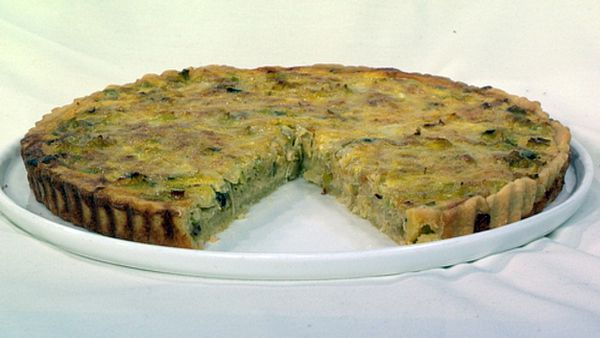 Leek and gruyere tart