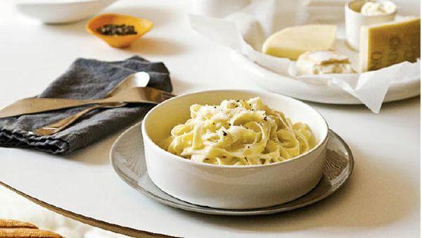 Quattro formaggi (4-cheese) tagliatelle