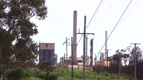 Management of Clive Palmer's north Queensland nickel refinery 'piss-poor', MP says as jobs still in limbo