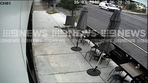 The dramatic ordeal began just before 6.20am. (9NEWS)