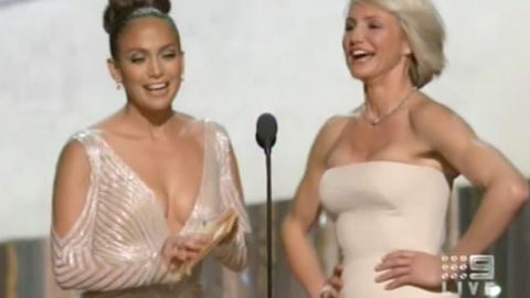 Video: Did Jennifer Lopez have a nipple slip on the Oscars red carpet?