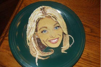 This pancake is supposed to be American TV host, <b>Kelly Ripa</b>, but we reckon it looks like <b>Angelina Jolie</b>!
