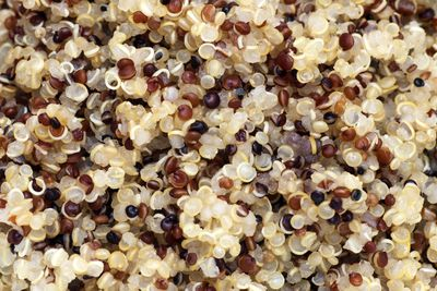 Quinoa (14g protein/100g)