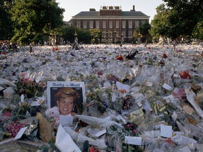Floral tributes to Princess Diana outside Kensington Palace, 1997