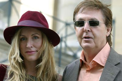 <p>Age gap: 25 years</p>Paul and Heather became the poster couple for relationships gone wrong after their heavily publicised divorce.<p>Frankly, this marriage didn't have a leg to stand on.</p>