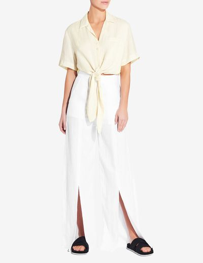 """<em><a href=""""https://venroy.com.au/products/womens-front-split-pant-white"""" target=""""_blank"""" title=""""Style Pick-Venroy Womens Front Split Pant in White, $120"""" draggable=""""false"""">Style Pick-Venroy Womens Front Split Pant in White, $120</a></em><br />"""
