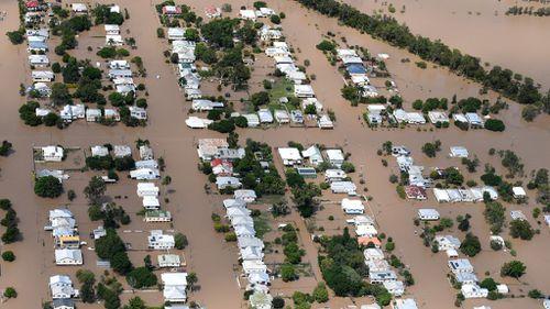 Cyclone Debbie emergency response to be reviewed