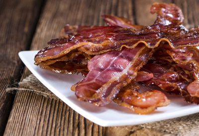 """Recipe:<a href=""""/recipes/ibacon/8340738/how-to-microwave-bacon"""" target=""""_top"""">Microwave bacon recipe</a>"""