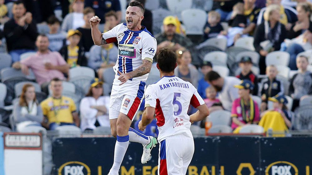Jets thrash Mariners 5-1 in A-League derby