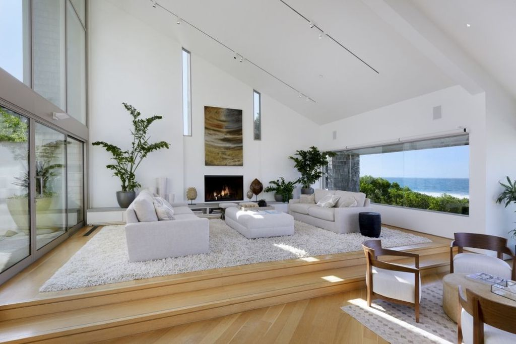peek inside ellen degeneress luxurious beach house view gallery