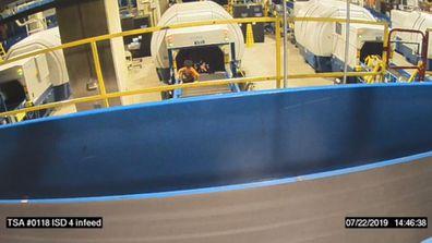 Child injured after riding on conveyor belt at Atlanta Airport