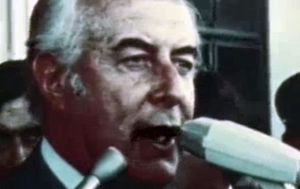 Will Royal Whitlam letters get early release?