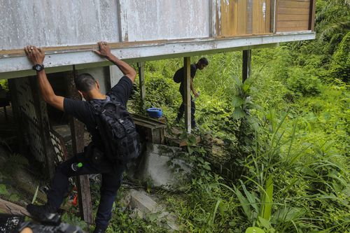 Malaysian authorities participating in the search and rescue operation for 15-year-old Nora Quoirin.