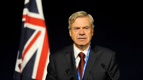 Victorian Liberal Party president Michael Kroger addresses the crowd at this morning's council meeting. (AAP)