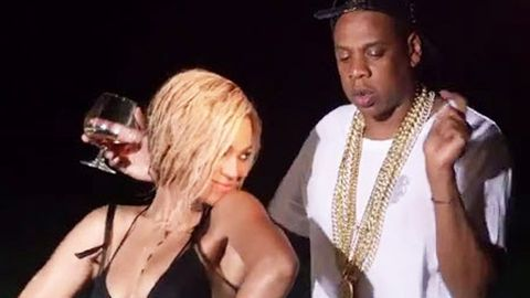 Beyonce shares intimate beach moments with Jay Z in making-of 'Drunk in Love' video