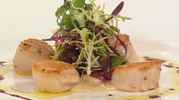Seared Scallops with chorizo, Jerusalem artichoke and cabernet reduction