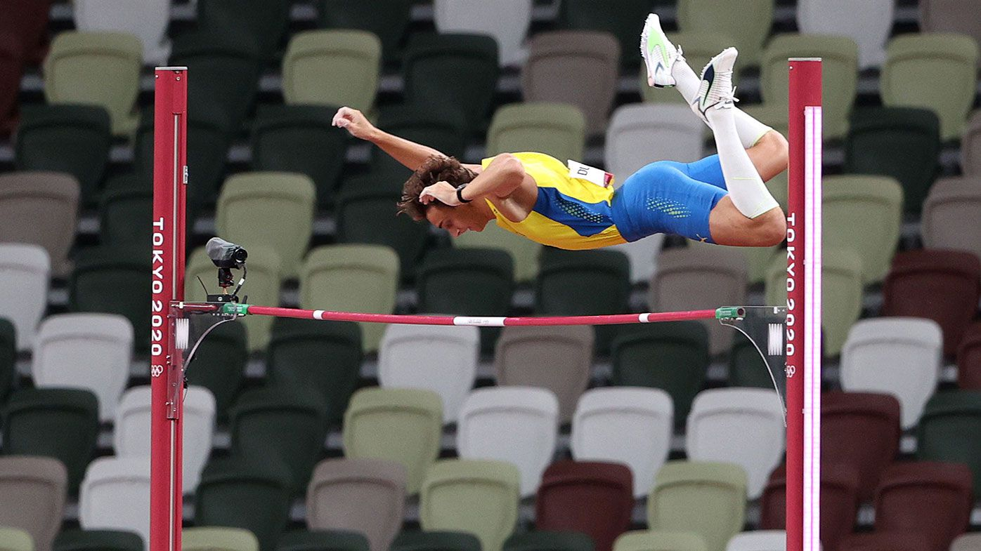 Armand Duplantis clears 5.92m in the pole vault at the Tokyo Olympics.