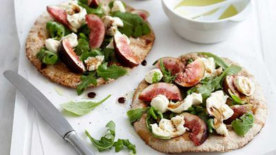 <strong>Fresh salad and fig flatbreads</strong>