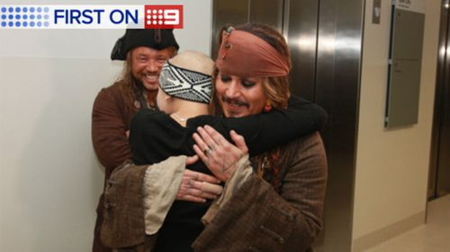 Johnny Depp has visited sick kids in Queensland.