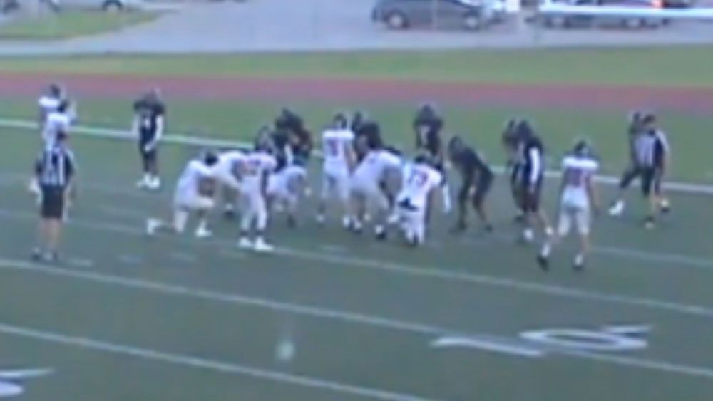 Gridiron team show great act of sportsmanship for fallen rival