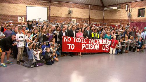 Community opposition for a stand-alone waste to energy incinerator in Sydney's west has been met with fierce local opposition (9NEWS)