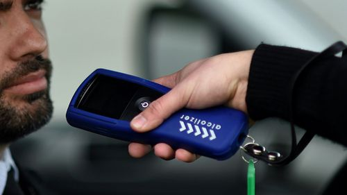 Victorian traffic officer calls for zero alcohol limit to be extended to drivers under 26