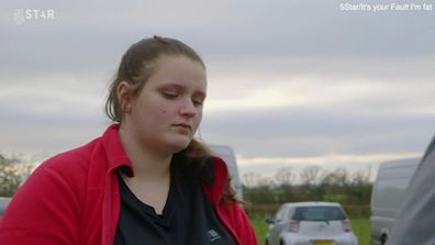 Obese teen blames mum for overfeeding her