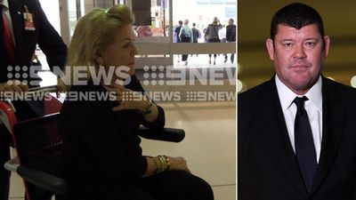 Roslyn Packer flies out of Sydney to visit son James