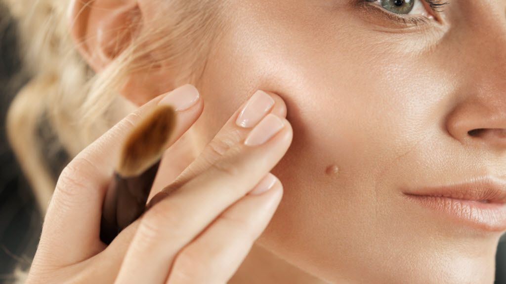 Highlight your way to youthful skin