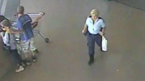 A policewoman on her lunchbreak passed the incident then returned with backup (9NEWS)