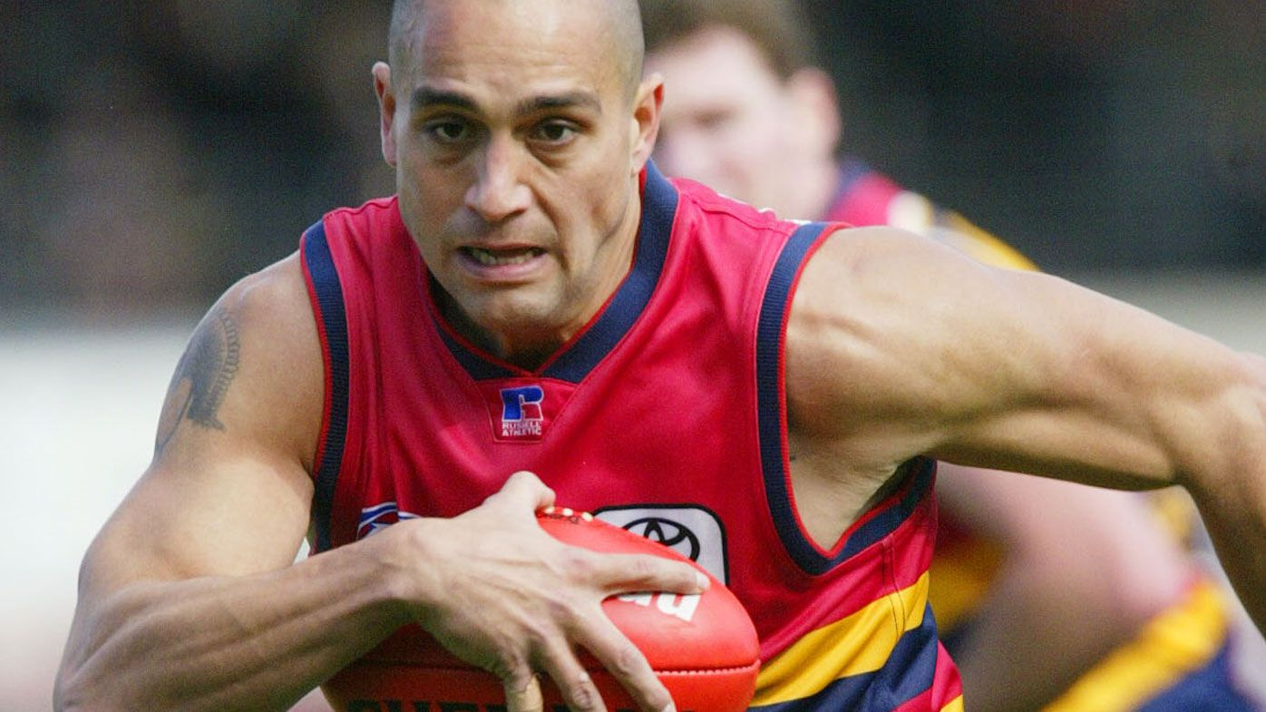 Crows legend Mark Ricciuto leads bemused response to Andrew McLeod criticism