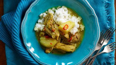 "Recipe: <a href=""http://kitchen.nine.com.au/2016/05/13/13/21/creamy-malaysian-chicken-curry"" target=""_top"">Creamy Malaysian chicken curry</a>"