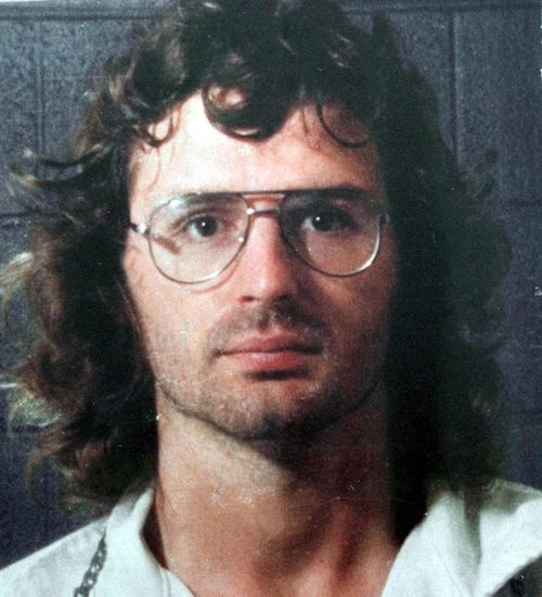 Cult leader David Koresh led a splinter faction of the Branch Davidians, but abandoned the movement's tenets.