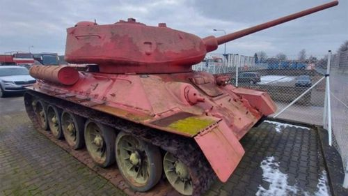 The T-34/85 tank surrendered to police in the Czech Republic.