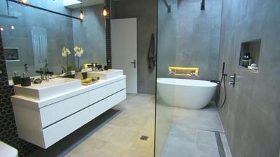 Chris and Jenna's Main Bathroom in The Block Glasshouse