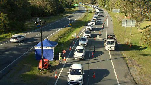 Coolangatta traffic Queensland border