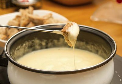 Australian cheese and beer fondue