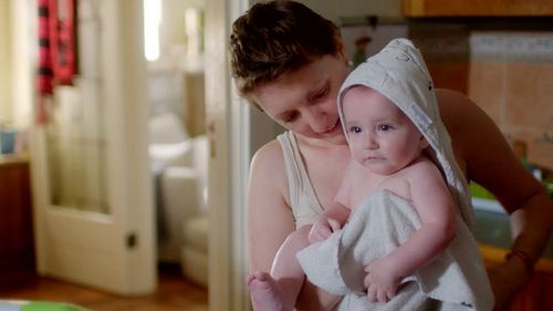 Victorian mum, Sarah Hawthorn was eight months pregnant with her first child when she caught last year's deadly strain of influenza. (60 Minutes)