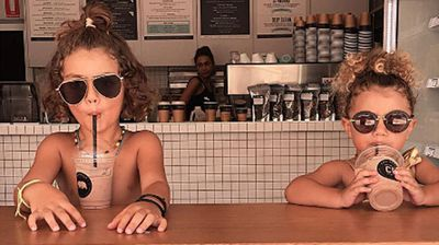 These cool kids were beating the heat in a Sydney cafe. (Photo: Instagram, haneyjaxon)