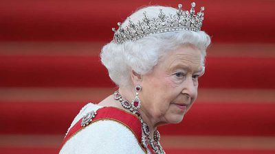 <p>Queen's message to staff after finding dead slug</p>
