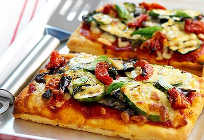 Tomato and eggplant pizza