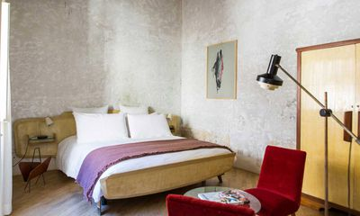 G-Rough Hotel, Italy