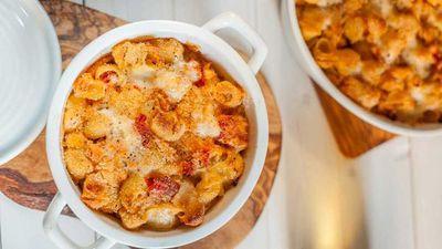 "<a href=""http://kitchen.nine.com.au/2017/02/01/14/15/tomato-pasta-bake"" target=""_top"">Tomato pasta bake</a><br> <br> <a href=""http://kitchen.nine.com.au/2017/02/02/10/42/packing-back-to-school-lunch-box-tricks"" target=""_top"">More back-to-school lunch box recipes</a>"