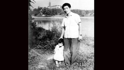 "<p>A Chinese father and his daughter have recorded their passage through time by taking a photo together at the same spot every year for 35 years. </p><p> In 1980, young father Hua Yunqing stood with his daughter HuaHua for a photograph in front of a picturesque lake in the city of Zhenjiang in the province of Jiangsu in China's east. </p><p> The family would make the day trip again the following year to take another photo of father and daughter in the same spot. And then again the following year. </p><p> Hua and HuaHua have posed for their annual photo 34 times over the past 35 years as the two grew older and the world changed around them. </p><p> ""I didn't have any thought of doing the same thing again but when I got the photo back, I liked it so much that when we went back the next year I repeated it,"" Hua said after posting the photos taken at Taying Lake online. </p><p> ""After that it became sort of the family tradition and we did it every year with only one break in 1998 when my daughter did not join us for the family holiday and was abroad."" </p><p> The photographs have become a family custom, documenting Hua's move from young dad to grandfather as HuaHua grew from baby to child, awkward teen to university student before becoming a mother herself. </p><p> Take a look through at the charming photos recording two young families' journey through time. </p><p> </p>"
