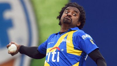 Sri Lankan spin wizard Muttiah Muralitharan works his magic. (AFP)