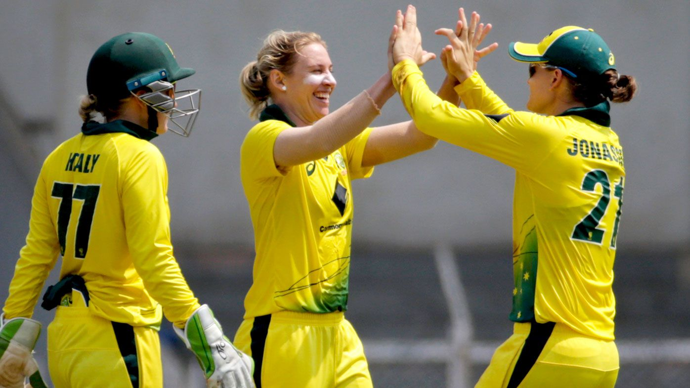 Australia thrash England in women's T20 cricket