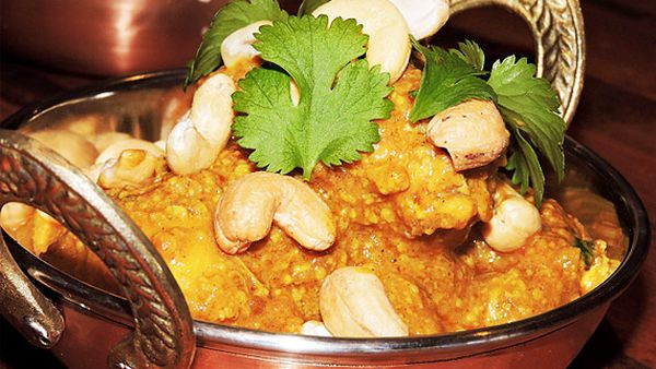 Bree May's chicken and cashew korma