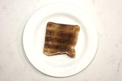 Honey on toast: 136 calories